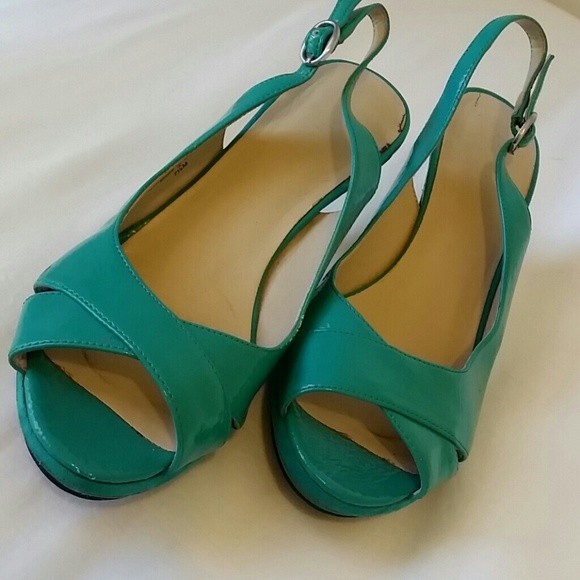 Nine West - ☆HP☆ Nine West Teal Kitten Heels from Nicole's ...