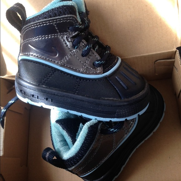 ... nike acg boot infant