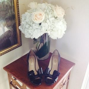 Valentino Shoes - Valentino Couture Bow pump