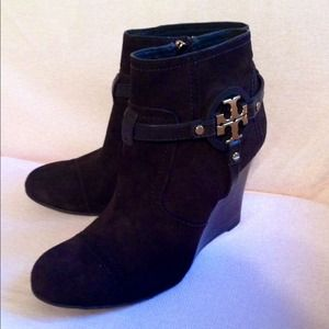 100% authentic  Tory burch aaden ankle boots SZ 8