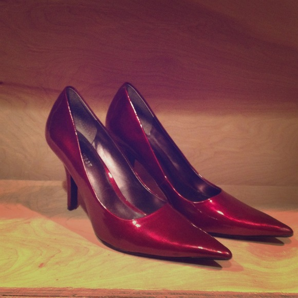 Ruby Red Nine West Patent Leather Pumps
