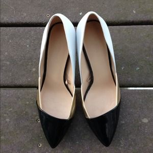 Gorgeous Zara tricolor court shoes