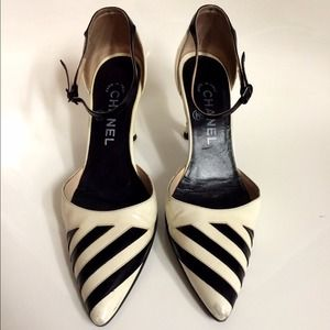 CHANEL Black White Striped Pointed Heels Shoes