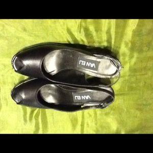 Vaneli Shoes - Vaneli Black Leather Wedge. SZ7 1/2N. $55