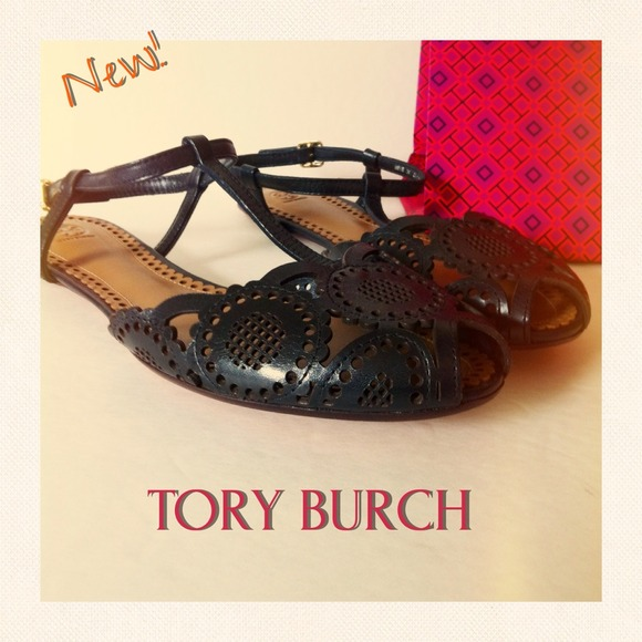 TORY BURCH Alexa Flat Leather Sandal, Sz 8.5