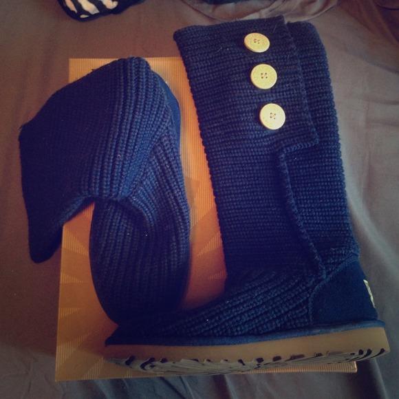 Navy Blue Knit Uggs