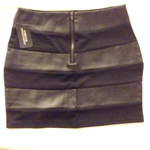 Forever 21 Skirts - Brand NEW* Forever21 black skirt w leather details