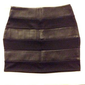 Brand NEW* Forever21 black skirt w leather details