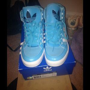 Adidas hard court baby blue 6.5Y