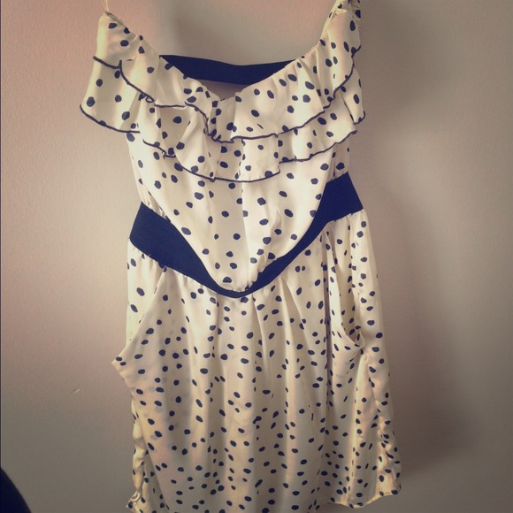 Dresses & Skirts - Polka dot sleeveless dress