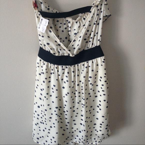 Dresses - Polka dot sleeveless dress