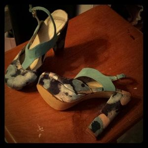 Lovely blue heels from shoedazzle