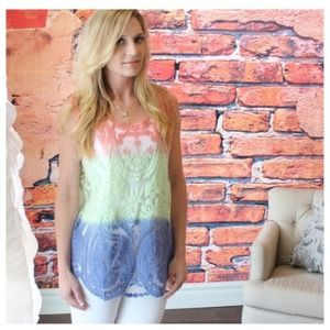 Colorblock lace sleeveless top