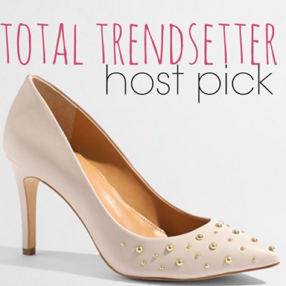 J. Crew Shoes - 🎉HOST PICK🎉J.Crew Isabella studded pumps