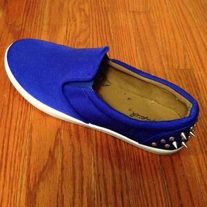 Qupid Spike blue sneakers ✂️PRICE