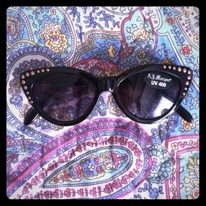 NWT Nasty Gal Cats Eye Black Sunglasses
