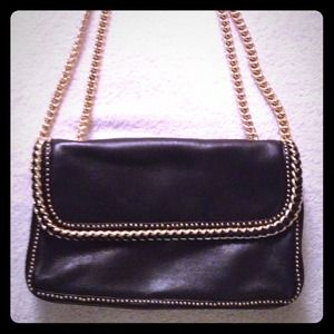 Henri Bendel  Handbags - Henri Bendel Blair black purse.