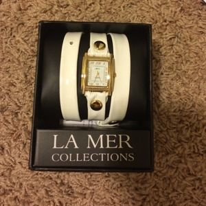 Jewelry - La mer wrap around watch