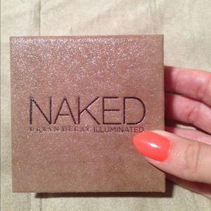 Naked Illuminated Powder
