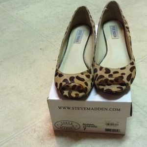 Steve Madden Size 7 Leather Animal Peeptoe