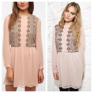 Urban Outfitters Dresses & Skirts - Pins and needles chiffon lace dress 6