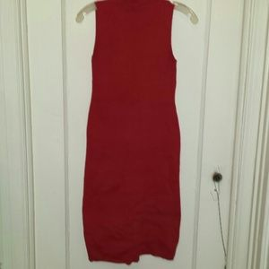 Dresses & Skirts - Red turtleneck sleeveless midi dress