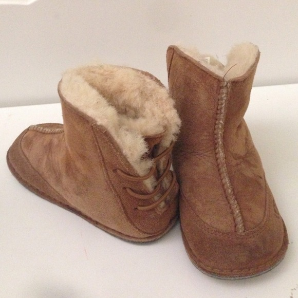 Kids UGG booties sheepskin & leather