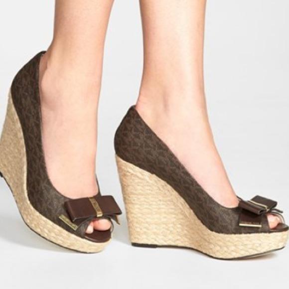 4125b27290a Buy michael kors peep toe wedge   OFF56% Discounted