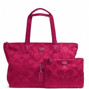 Gateaway Signature Nylon Packable Weekender Tote