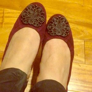 Tahari Shoes - Tahari burgundy suede flats