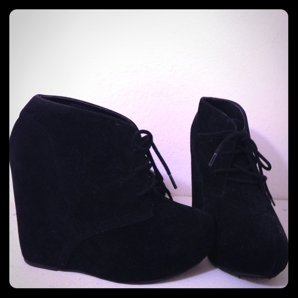 45 shi boots shi by journeys ankle boots from
