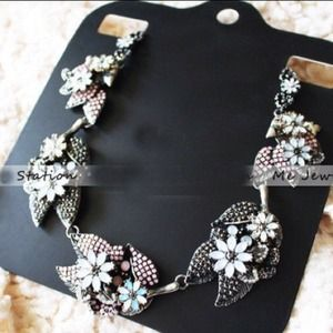Silver pink blue caviar beads statement necklace