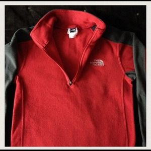 % Authentic North Face boys pull over fleece