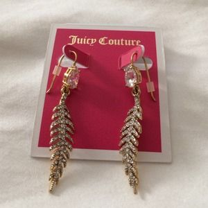 Juicy Couture Jewelry - Juicy Couture Pave Feather Drops 💕