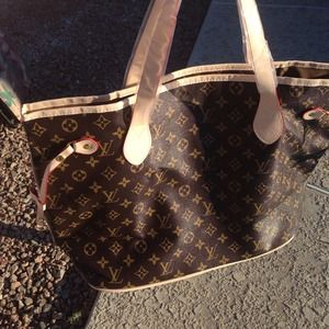 Handbags - Louis Vuitton neverfull!