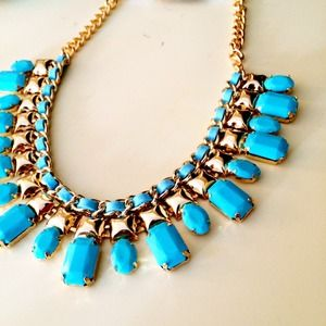 Jewelry - NEW Turquoise Fashion Necklace