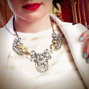 Jewelry - NEW Crystal Statement Necklace
