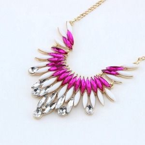 Jewelry - NEW Pink FanFare Necklace