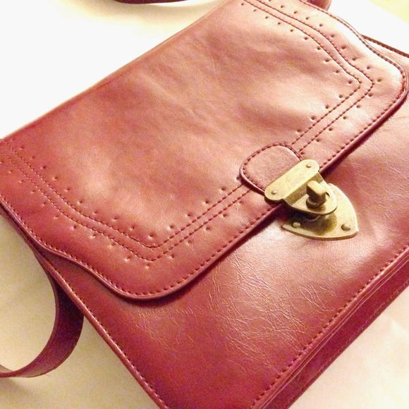 Bags - *NEW* dark red faux leather cross body bag