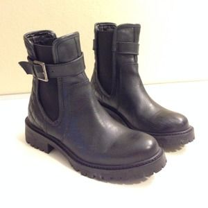 Zara quilted leather track ankle boot