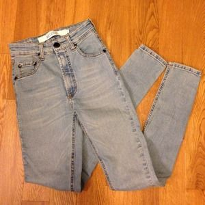 Brandy Melville Denim - Brandy Melville high waisted jeans
