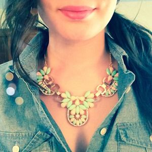 Jewelry - NEW Mint And Pink Statement Necklace