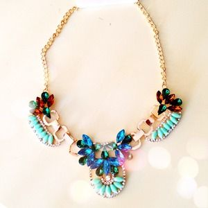 Jewelry - NEW In The Blues Statement Necklace