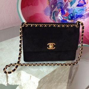 NWT<>HOST PICK<>Chanel blk suede/gold metal bag.