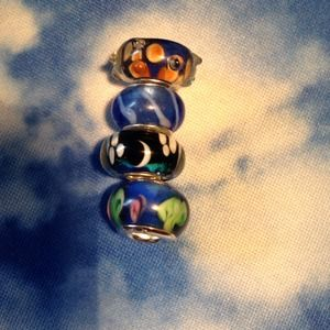 Four Bracelet Glass Beads in a Blue Theme