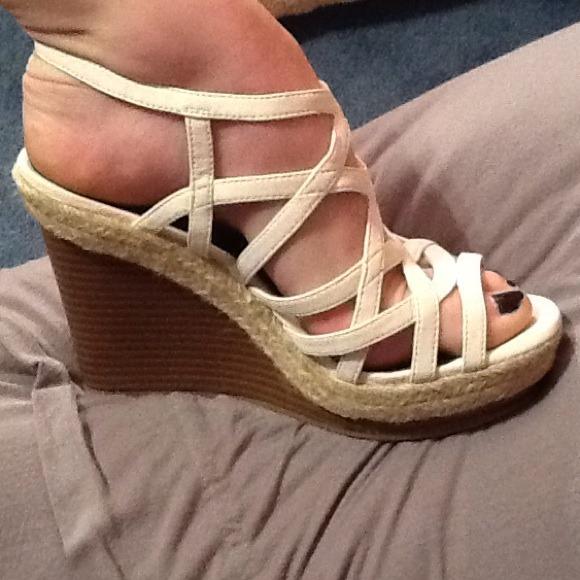 7e6dfb91d8a674 White Wedge Sandals. M 534dc7c678195031413185f5