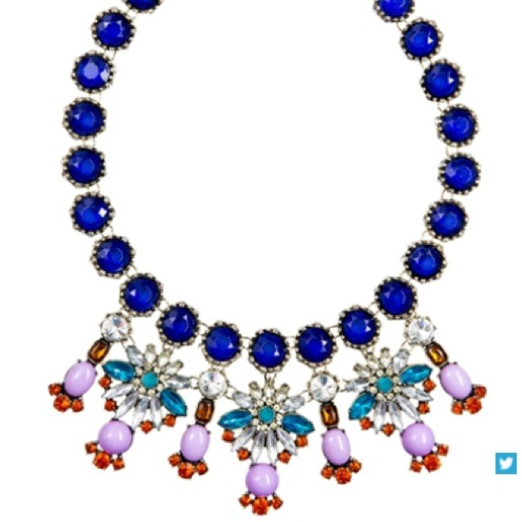 ily couture Jewelry - Statement necklace
