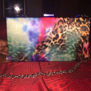 Clutch/wallet  handbags on sale!!! Act fast!