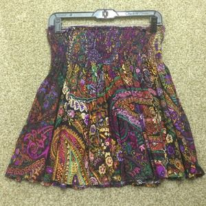 ❌SOLD in bundle! Pretty floral and paisley skirt