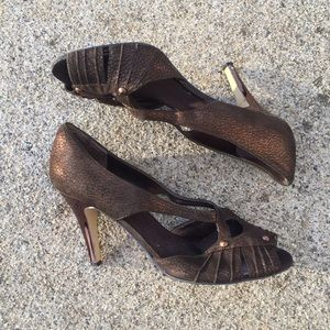 Nine West Shoes - Nine West Bronze Pumps